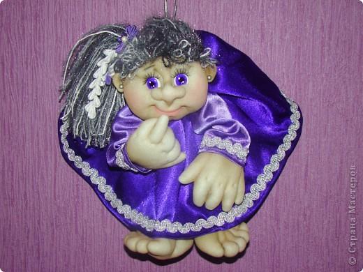 Здравствуйте всем,кто зашел на мою страничку!!! Сначала не хотела загружать фото, кукол в таком цвете я уже делала, но они уехали жить в другой дом и моя полочка опустела. Вот решила сделать для себя куклену и показать вам. фото 2