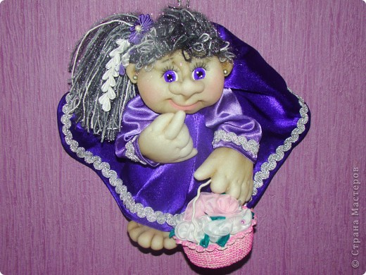 Здравствуйте всем,кто зашел на мою страничку!!! Сначала не хотела загружать фото, кукол в таком цвете я уже делала, но они уехали жить в другой дом и моя полочка опустела. Вот решила сделать для себя куклену и показать вам. фото 3