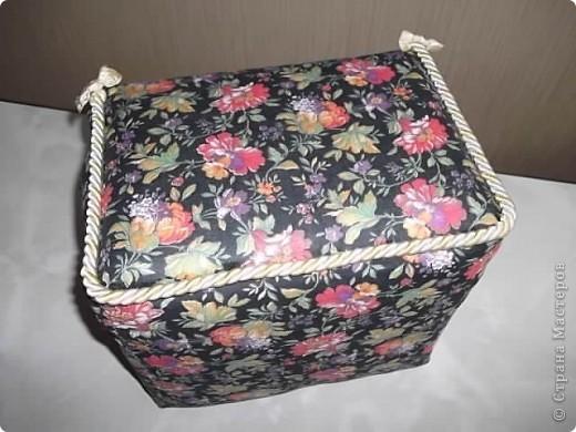 Недавно у мамочки был День Рождения, для подарка решила сделать вот такую  нарядную коробочку. фото 4
