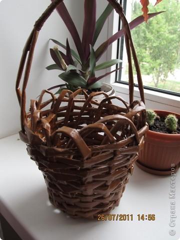 Первый эксперимент с плетением  корзинок из газет. фото 1
