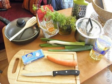 Доброго времени суток,мастерицы и мастерята! вот такой супчик я научилась готовить,когда была неделю одна дома!:О и вас научу! включайте весёленькую музычку и начинаем!;-) фото 2