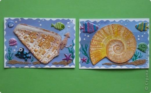 Сегодня не первая серия на тему моря. Мастерицы наделали чудесных карточек, а я опять с салфетками.  Каждая ракушка приклеена на пастельную бумагу и на двойной скотч, немного объемные. фото 2