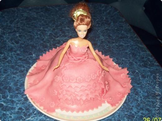 Виолетте-5 лет.Она маленькая принцесса. Хотелось для неё в подарок сделать что-нибудь интересное....Получилась вот такая Барби... Виолетте очень понравилось. фото 2