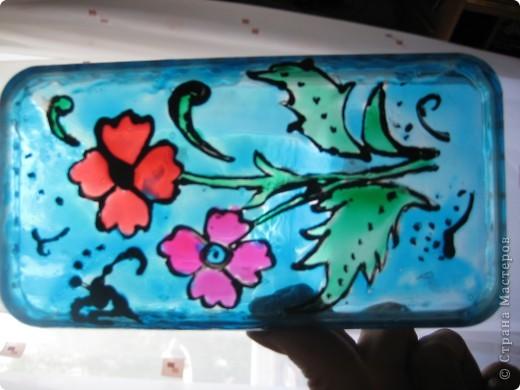 Все работы сделаны витражными красками. В этом витраже фон сделан лаком для ногтей) Шаблоны нашла где-то в интернете. фото 7