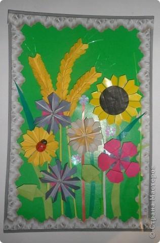 """Мне очень нравится делать поделки по книгам Татьяны Николаевны , за два дня я сделала вот такую картину"""" Луговой букет"""", в технике оригами. Эта картина из книги """"Цветы""""."""
