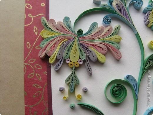 Захотелось отвлечся от курсов и сделать что-то свое. Решила накрутить картинку на память одной замечательной женщине, кт. скоро уезжает в Болгарию и скорее всего мы уже не увидимся. Картинка задумывалась без насекомых, но тут увидела конкурс и решила поучавствовать.   http://homyachok-scrap-challenge.blogspot.com/2011/07/2_18.html фото 2