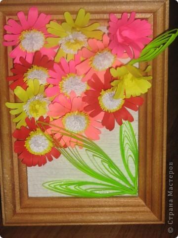 мои цветочки со стрекозой. Только рамочка маловата, поэтому крылья такие короткие фото 2