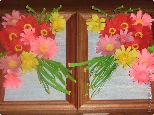 мои цветочки со стрекозой. Только рамочка маловата, поэтому крылья такие короткие фото 3