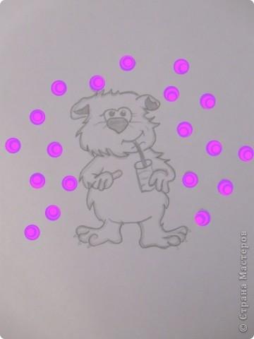 Мишутка сначало был нарисован обыкновенным простым карандашом а потом в пейнте были дорисованы кружочки!