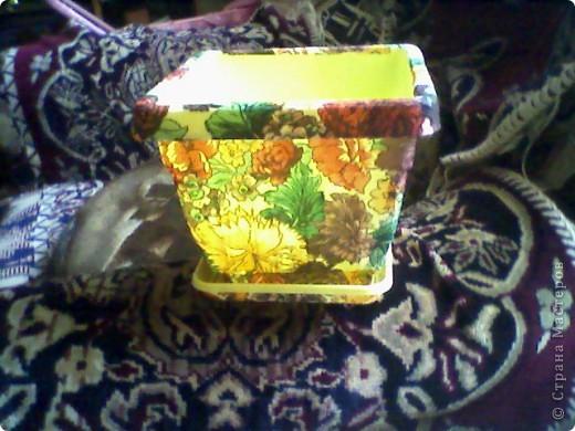 решила приукрасить горшочек для цветов фото 2