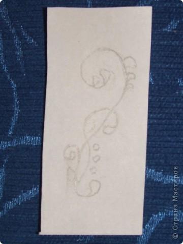 Здравствуйте дорогие мастерицы! Хочу поделиться с вами моим открытием! Сижу я значит на даче, гроза идёт, делать нечего. Решила по выдумывать))) И придумала штампик из стирательной резинки))) Для этого нам понадобиться: стирательная резинка примерно 2х5, простой карандаш, канцелярский ножик, маленький листок бумаги. фото 2