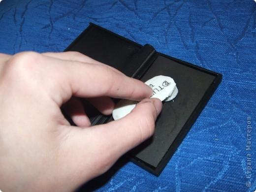 Здравствуйте дорогие мастерицы! Хочу поделиться с вами моим открытием! Сижу я значит на даче, гроза идёт, делать нечего. Решила по выдумывать))) И придумала штампик из стирательной резинки))) Для этого нам понадобиться: стирательная резинка примерно 2х5, простой карандаш, канцелярский ножик, маленький листок бумаги. фото 4