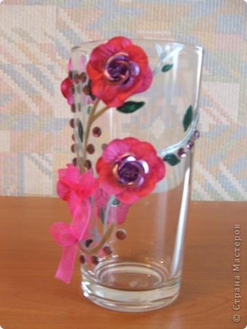 Ну наконец то ручки добрались и до вазы!!! Сначала решила попробовать сделать простенькую, а в следующий раз будет что-то посложнее. Купила в тон цветов на вазе искусственные цветочки.   фото 3