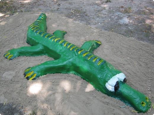крокодил из цемента фото 1