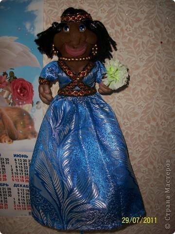 Кукла пакетница. Основа пластиковая бутылка. фото 2