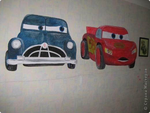 Нарисовала своему сынули на стене в комнате, но работа еще не закончена.