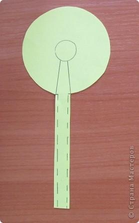 Вот такой простой букетик можно сделать с детьми младшего школьного возраста. фото 3