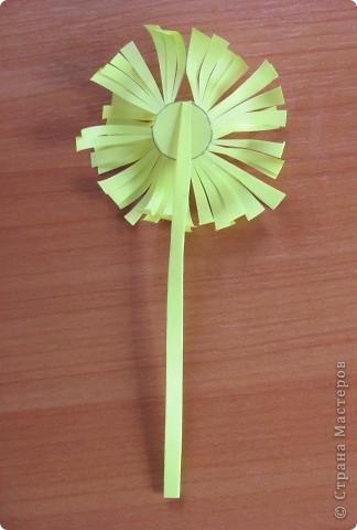 Вот такой простой букетик можно сделать с детьми младшего школьного возраста. фото 5