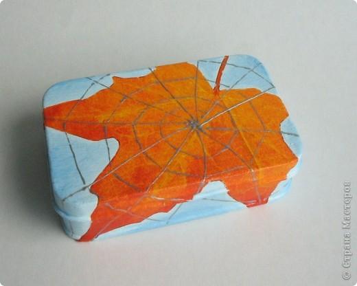 Металлическая коробочка-шкатулка из Икеи. Салфетка, подрисовка акрилом, серебряный контур фото 1