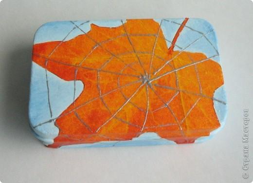 Металлическая коробочка-шкатулка из Икеи. Салфетка, подрисовка акрилом, серебряный контур фото 4