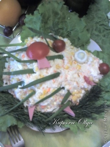 рыбный салатик №1,один из самых простых 500гр отварной рыбы(у меня Ментай) 3-4 яйца 1/2 стакана риса(отварной без соли) 1 головка лука(тру на мелкой тёрке) Вс под майонезом фото 3