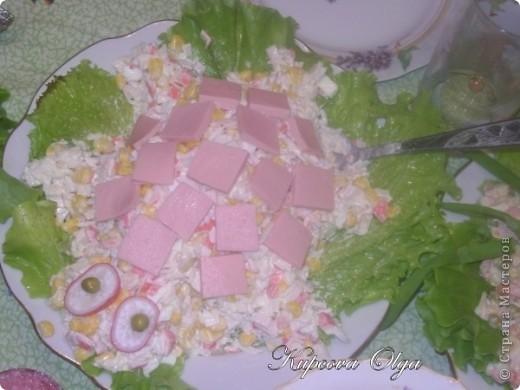 рыбный салатик №1,один из самых простых 500гр отварной рыбы(у меня Ментай) 3-4 яйца 1/2 стакана риса(отварной без соли) 1 головка лука(тру на мелкой тёрке) Вс под майонезом фото 5