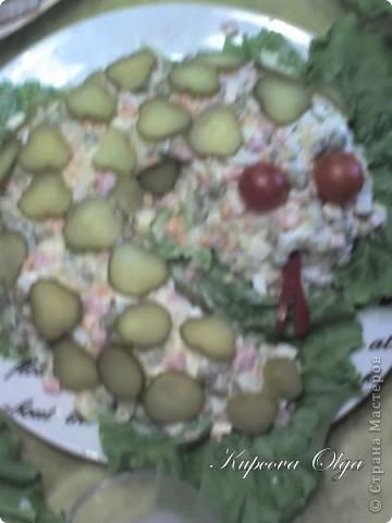 рыбный салатик №1,один из самых простых 500гр отварной рыбы(у меня Ментай) 3-4 яйца 1/2 стакана риса(отварной без соли) 1 головка лука(тру на мелкой тёрке) Вс под майонезом фото 7