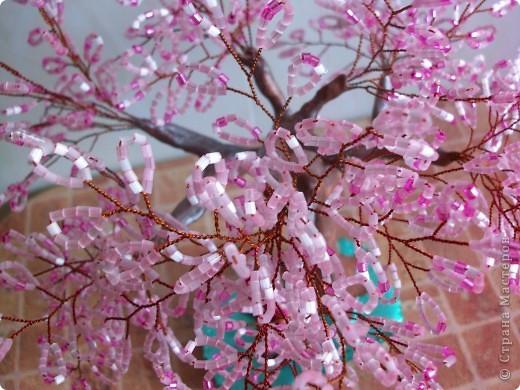 Здравствуйте мастера и мастерицы, вот и снова я выставляю на ваш суд новое дерево.)) САКУРА. фото 2