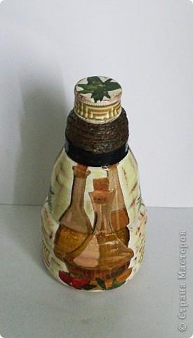 Была обычная пластиковая бутылка 0,3 л из-под уксуса... И решила я ее преобразить немного:) фото 4