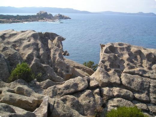 остров Сардения находиться в Италии возле Корсики фото 10