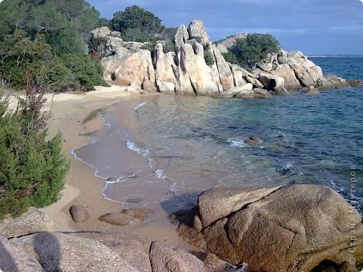 остров Сардения находиться в Италии возле Корсики фото 4