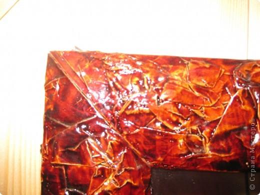 Рамка для старого зеркала ( в комнате ребенка на даче ) из газет фото 2