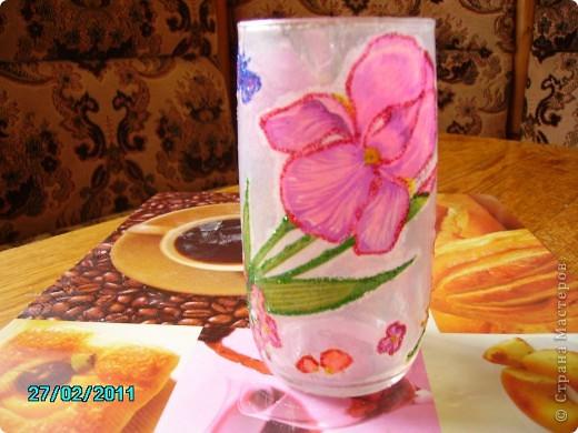 Перед оформлением вазы решила испробовать на стакане. Вот, что получилось