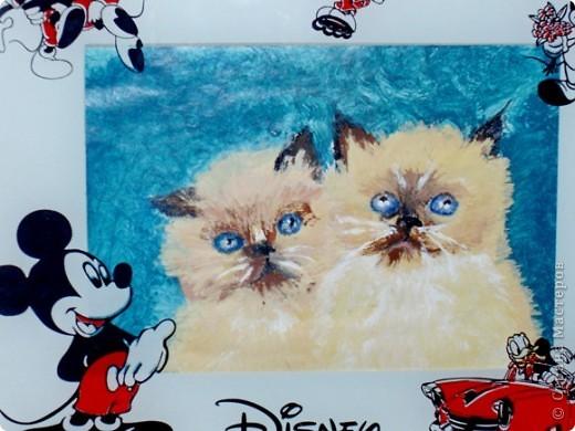 этих котят я рисовала  акриловыми красками на специальной бумаге...тут они в рамочке. фото 1