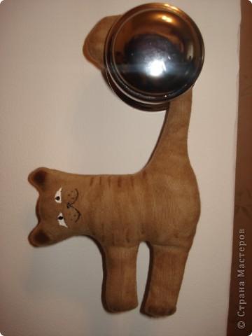 """Итак, с легкой руки Стасюли http://stranamasterov.ru/node/222331?c=favusers наша страна стала пополняться стадом """"висячих котов"""". Спасибо, дорогая моя!!! Теперь такие и у меня есть. Посвящены они моим сынишкам: фото 2"""