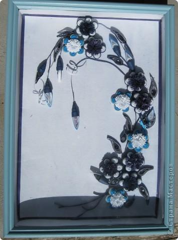 Спасибо огромное Оле http://stranamasterov.ru/node/139323 .Именно она поразила и заставила взяться за бумагу. А ещё поверить в себя. Это моя самая первая работа .На ней я училась делать цветочки и постигала истину.