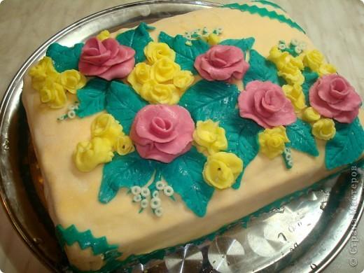 Вот такой торт у меня получился!!! Это моя первая попытка работы с мастикой. фото 1
