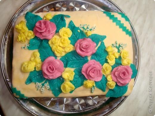 Вот такой торт у меня получился!!! Это моя первая попытка работы с мастикой. фото 2