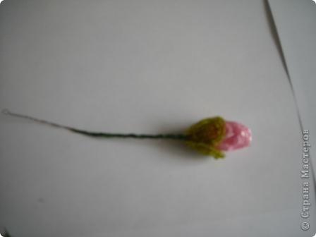 Сегодня будем делать вот такие цветы.Сразу предупреждаю,идея не моя, увидела подобное чудо на бисерном форуме радуга рукоделия.Правда там немного другие листики и вообще красотища....неописуемая.Вдохновилась там. фото 10