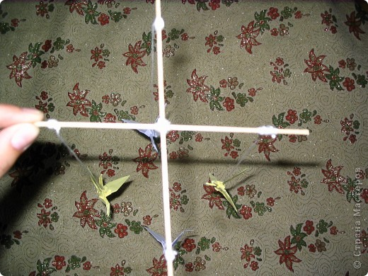 На протяжении всего нескольких поколений искусство оригами стало традицией, прочно вошедшей в культурную жизнь древней Японии. В эпоху Хейя (794-1185) оригами стало существенной частью церемоний, принятых среди высшего японского общества.  фото 6