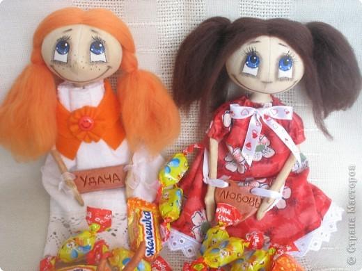 Знакомьтесь!!! Новые жительницы планета Земля!!! Любаша и Маруся!!! Росточек у них около 25 см. Большие любительницы потрескать конфетки, большие сладкоежки!!! фото 1