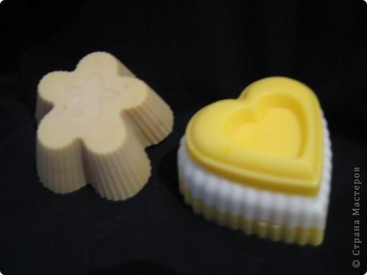 клубничка - запах естественно соответствующий, формочка - детская для песка фото 4