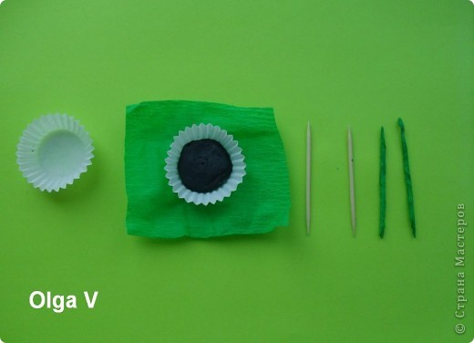 Такой сувенир в стеклянной вазочке можно сделать в подарок ко дню рождения или к празднику.  фото 2