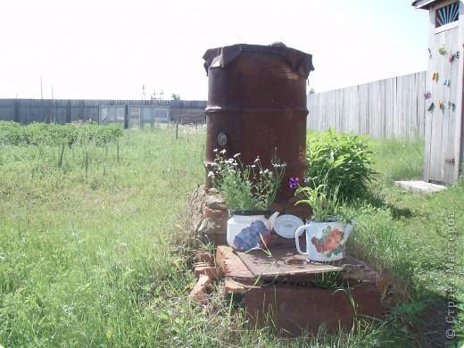 Ванька-огородничий встречает нас на даче. Ванька  от того, что дача в с. Иван-Озеро. Идея  - с сайта, правда в оригинале он без ног и стоит на траве.   фото 12
