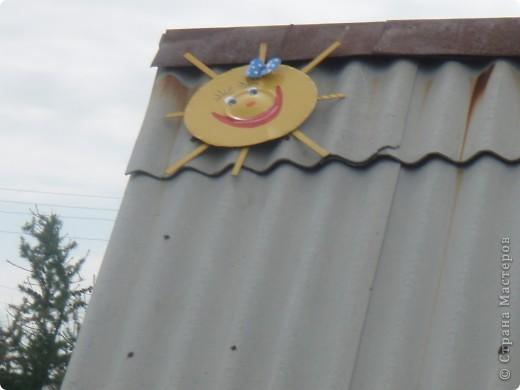 Ванька-огородничий встречает нас на даче. Ванька  от того, что дача в с. Иван-Озеро. Идея  - с сайта, правда в оригинале он без ног и стоит на траве.   фото 11