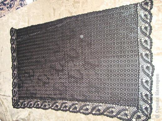 Черная шаль, связанная из х,б ниток.  фото 9