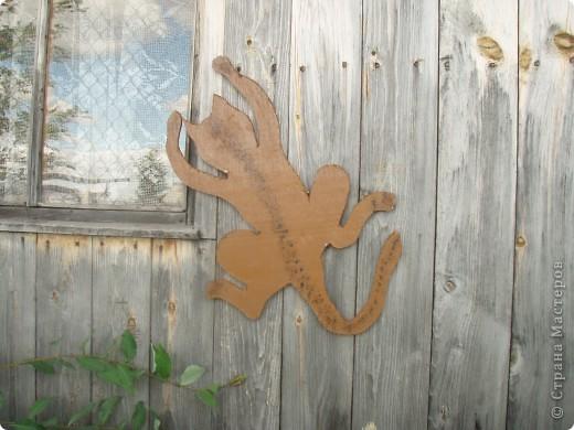 Ванька-огородничий встречает нас на даче. Ванька  от того, что дача в с. Иван-Озеро. Идея  - с сайта, правда в оригинале он без ног и стоит на траве.   фото 14