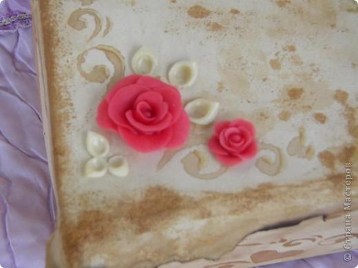 Моя первая попытка декора. Хотела украсить коробку, в которой храню краски. Если Вам не сложно, прошу оценить, указать на недочёты. фото 2