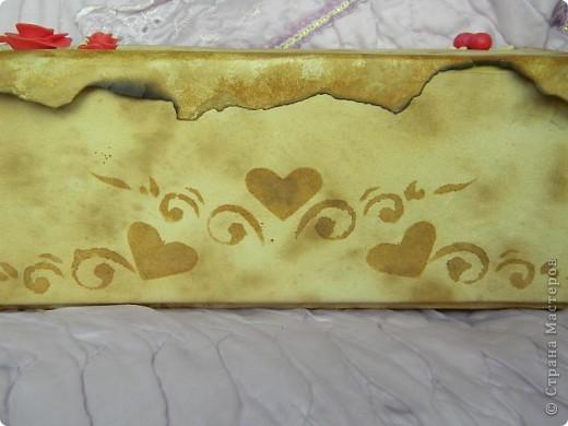 Моя первая попытка декора. Хотела украсить коробку, в которой храню краски. Если Вам не сложно, прошу оценить, указать на недочёты. фото 4