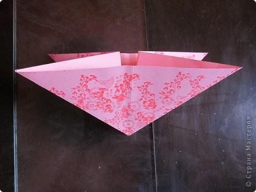 Всем доброго времени суток! Хочу поделиться с вами как сделать сувенирный пакетик в форме сердца. Думаю вашим близким будет приятно получить сувенир в такой упаковке.  фото 12
